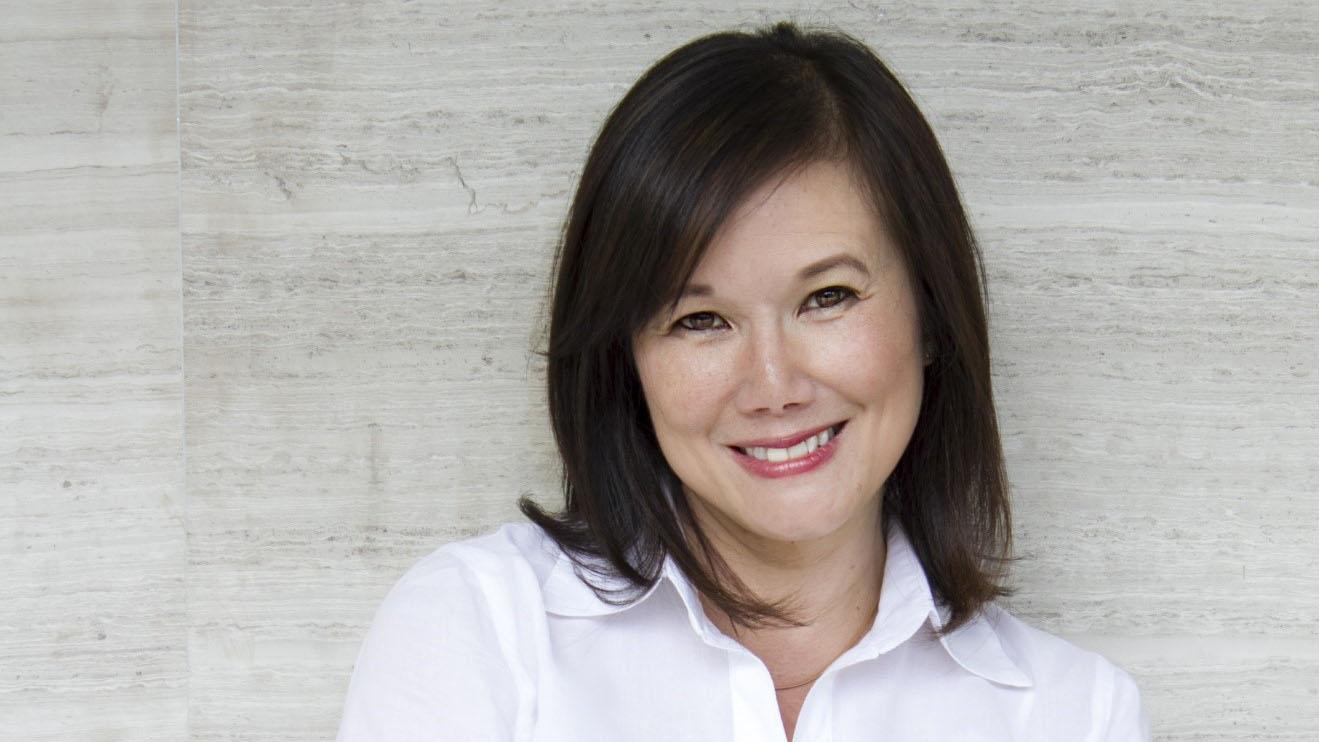Author Anna Gomez