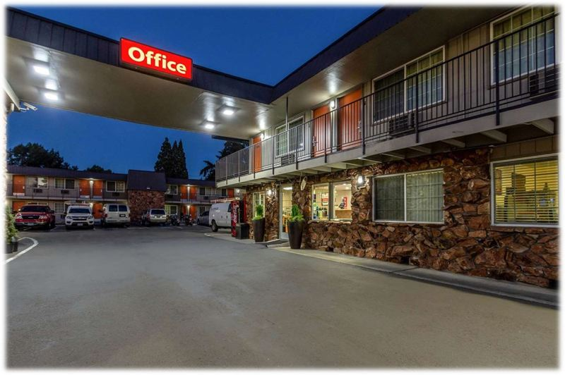 Hillsboro motel to become year-round homeless shelter