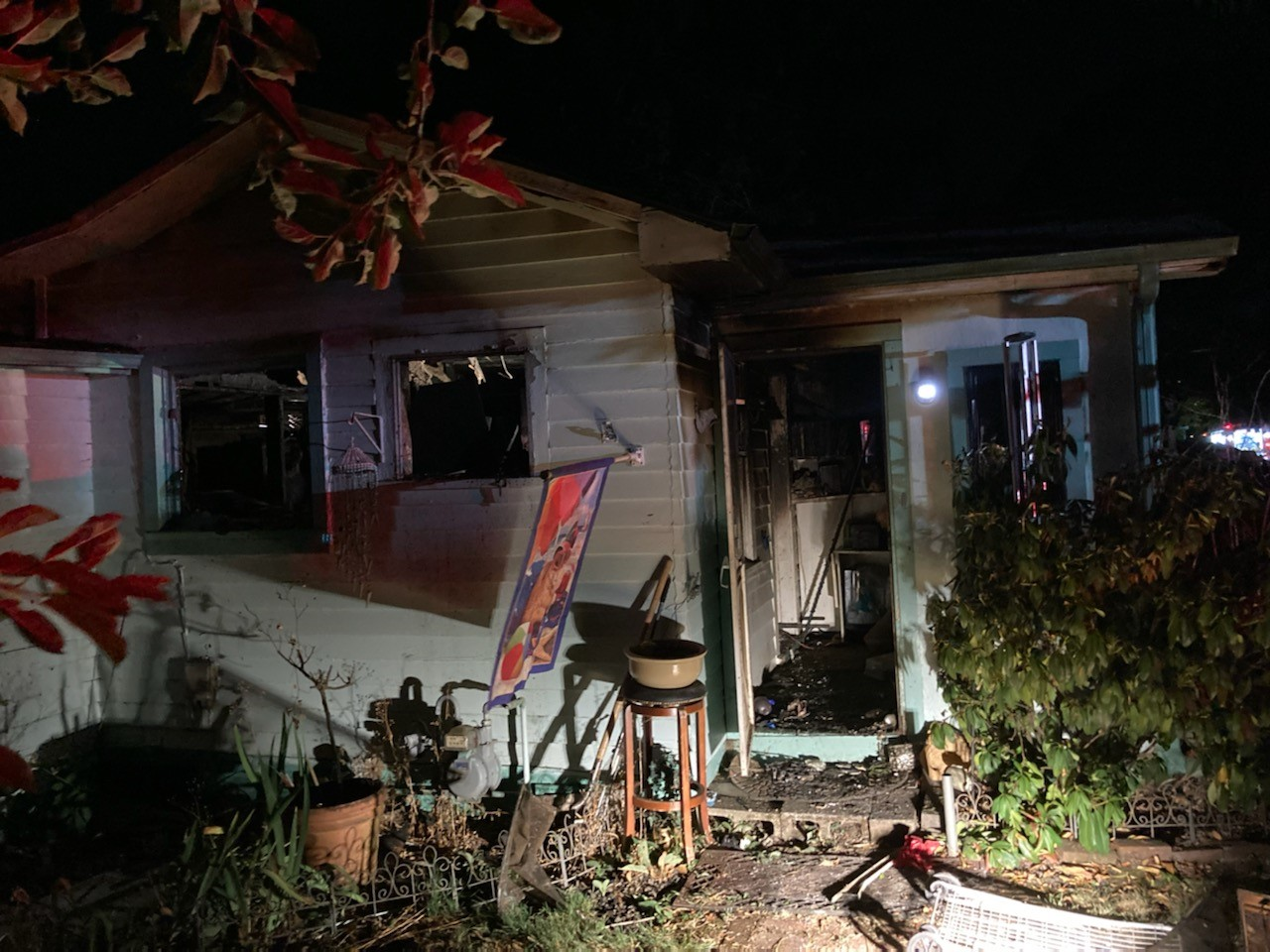 Woman, 2 dogs die in SE Portland house fire | KOIN.com
